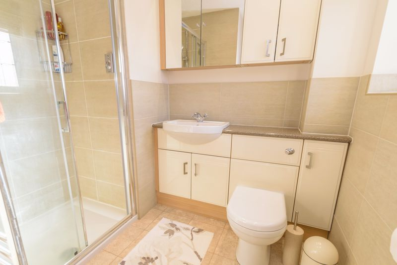5 bed house for sale in Appletrees Crescent 16