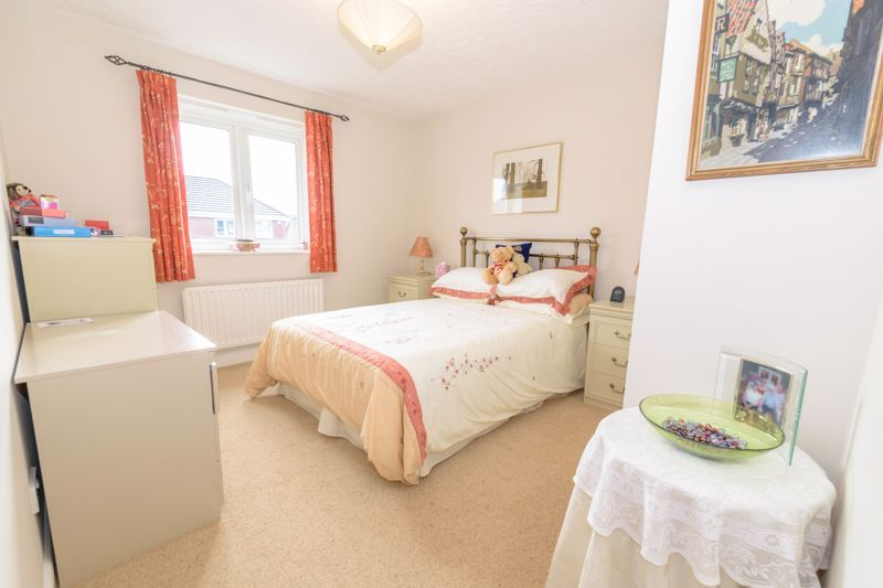 5 bed house for sale in Appletrees Crescent 18