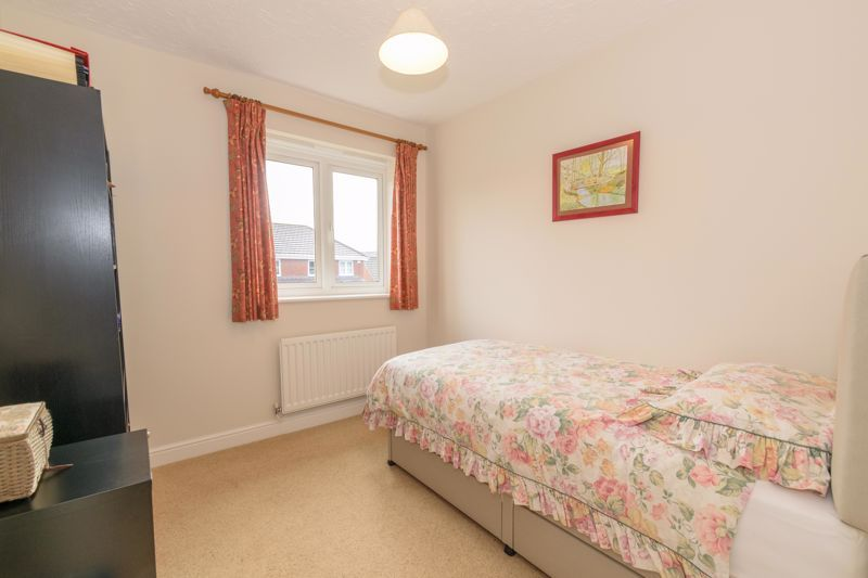 5 bed house for sale in Appletrees Crescent 19
