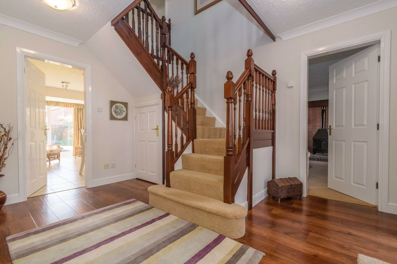 5 bed house for sale in Appletrees Crescent 20
