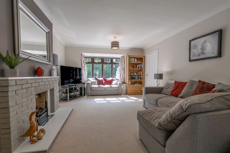 4 bed house for sale in Grazing Lane  - Property Image 14
