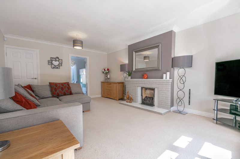 4 bed house for sale in Grazing Lane  - Property Image 5