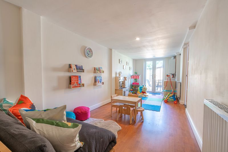 4 bed house for sale in Grazing Lane  - Property Image 7
