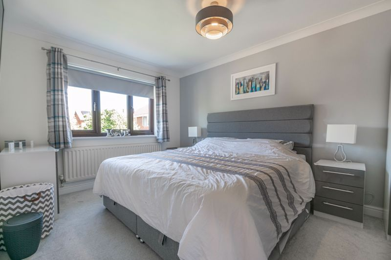 4 bed house for sale in Grazing Lane 8