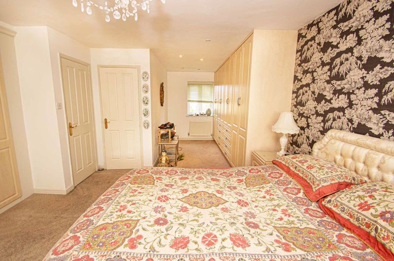 3 bed house for sale in Lea Park Rise 11