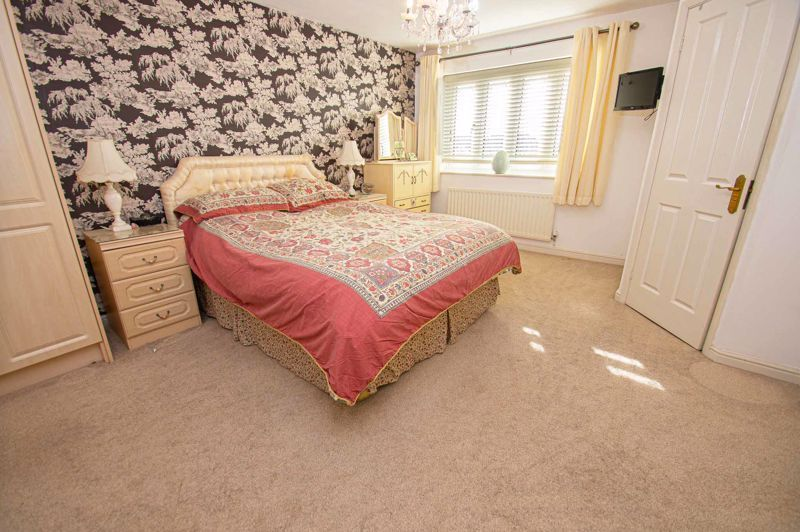 3 bed house for sale in Lea Park Rise 14