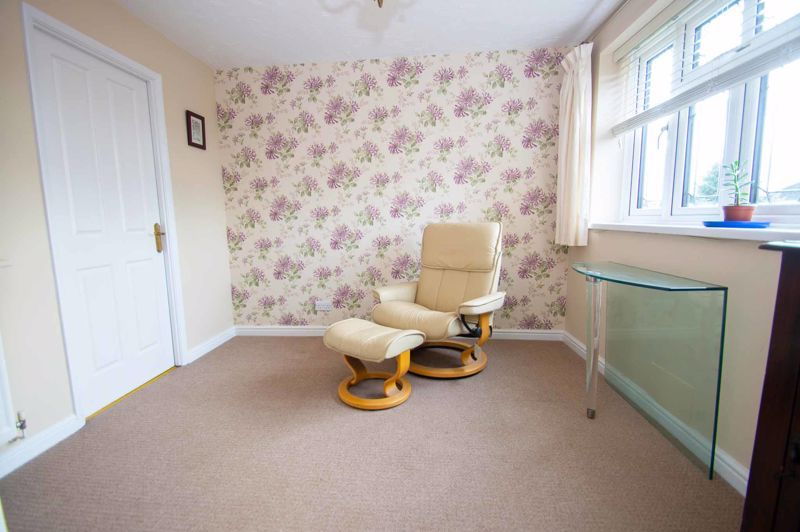 3 bed house for sale in Lea Park Rise 8