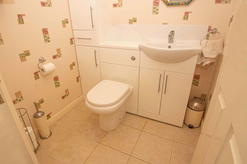 3 bed house for sale in Lea Park Rise 9
