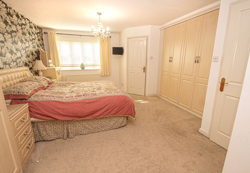 3 bed house for sale in Lea Park Rise 10