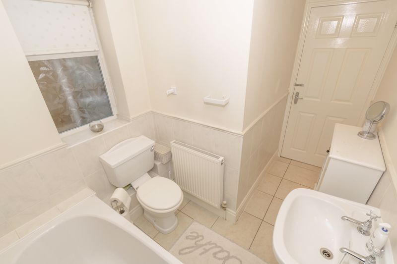 2 bed house for sale in Broad Street 16