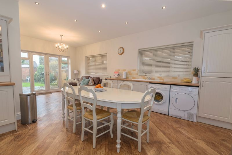2 bed house for sale in Broad Street  - Property Image 3