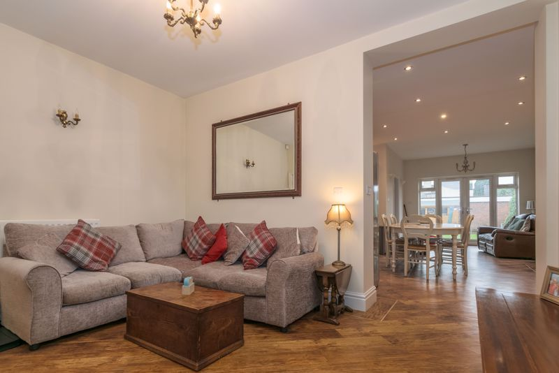 2 bed house for sale in Broad Street 5