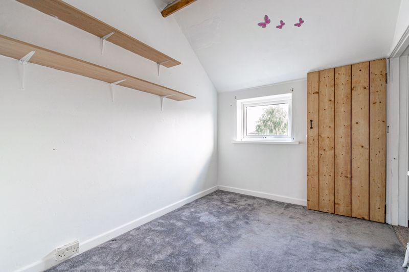 3 bed cottage for sale in Worcester Road  - Property Image 12
