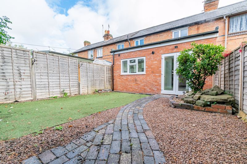 3 bed cottage for sale in Worcester Road  - Property Image 14
