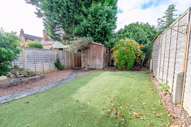 3 bed cottage for sale in Worcester Road 16