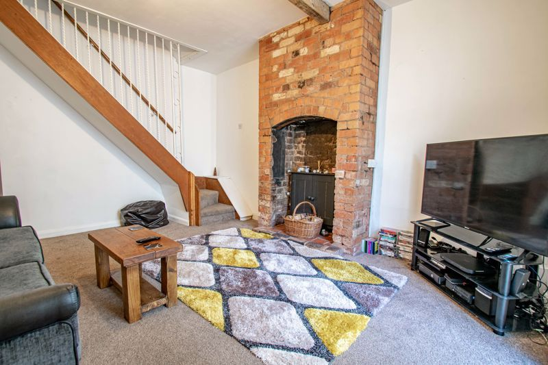 3 bed cottage for sale in Worcester Road 3
