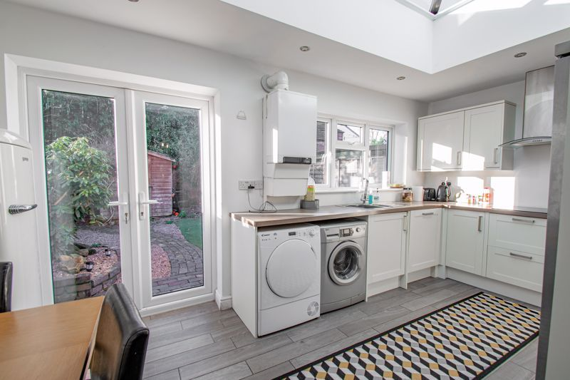 3 bed cottage for sale in Worcester Road 4