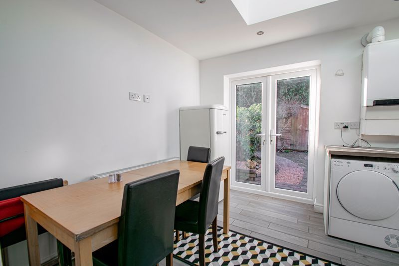 3 bed cottage for sale in Worcester Road 6