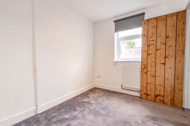3 bed cottage for sale in Worcester Road  - Property Image 9