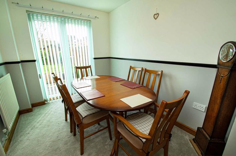 4 bed house for sale in Pulman Close  - Property Image 4