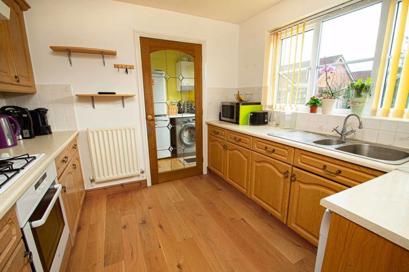 4 bed house for sale in Pulman Close  - Property Image 5