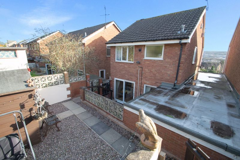 3 bed house for sale in Hordern Crescent 16