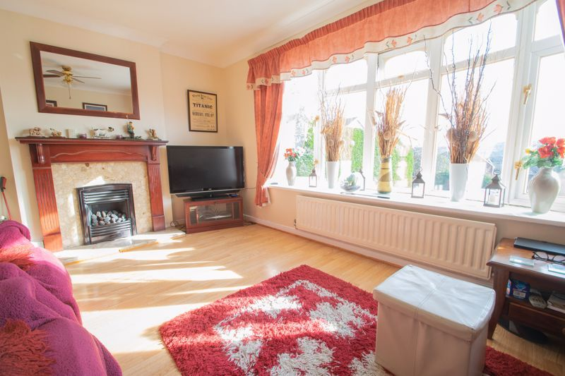 3 bed house for sale in Hordern Crescent 4