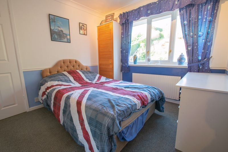 3 bed house for sale in Hordern Crescent 9