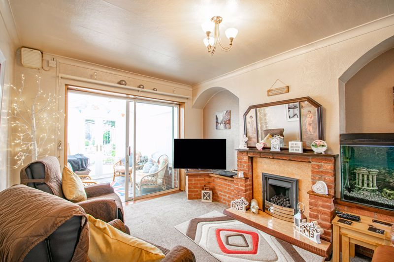 3 bed house for sale in Huntingtree Road 3