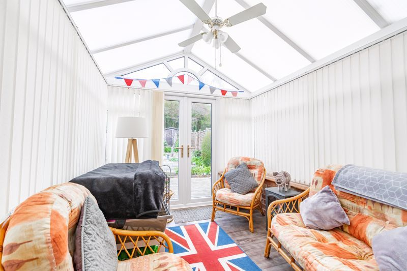 3 bed house for sale in Huntingtree Road 5
