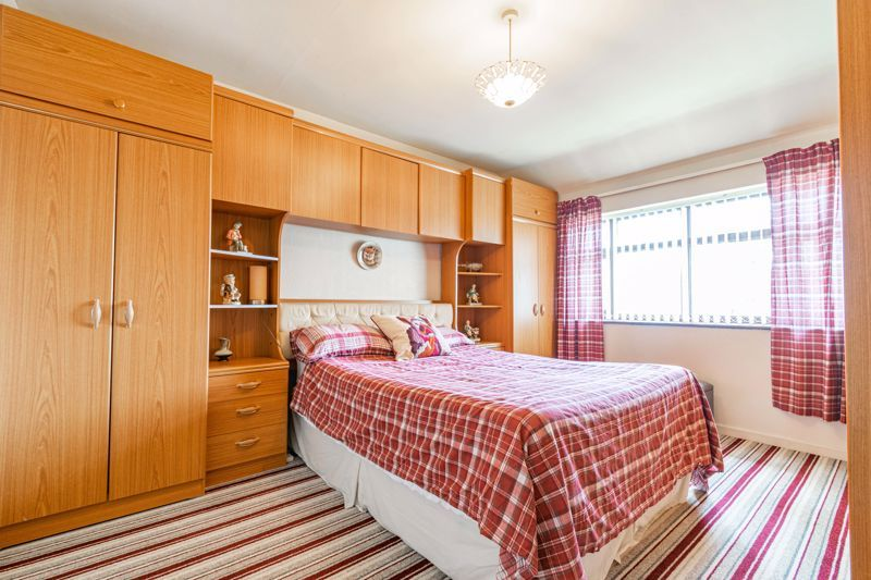 3 bed house for sale in Huntingtree Road 6