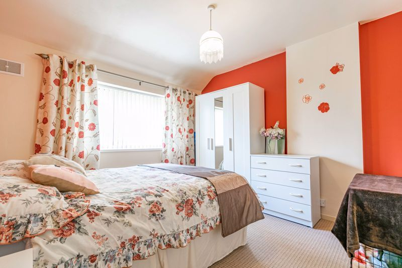 3 bed house for sale in Huntingtree Road 7