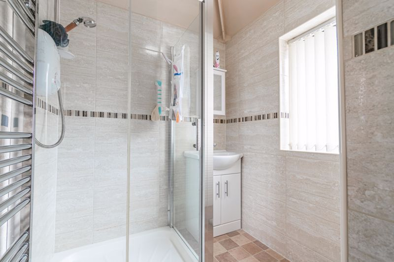3 bed house for sale in Huntingtree Road 9