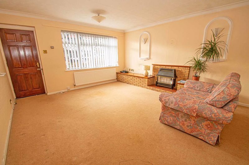 2 bed bungalow for sale in Newlands Drive  - Property Image 3