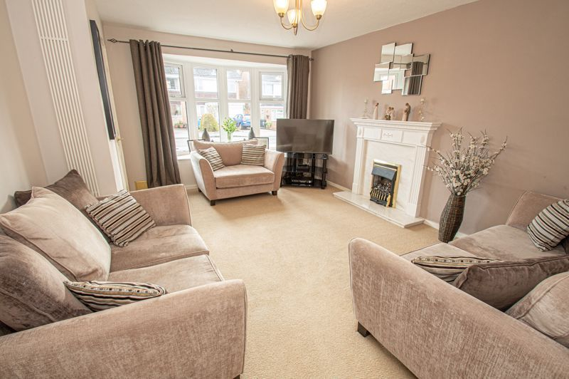 3 bed house for sale in Bartestree Close 2