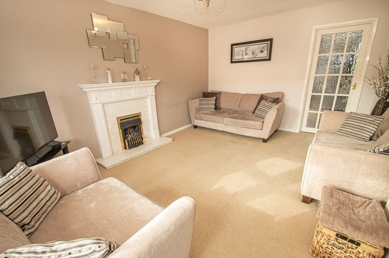 3 bed house for sale in Bartestree Close 3