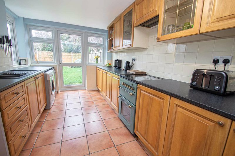 3 bed house for sale in Bartestree Close 6