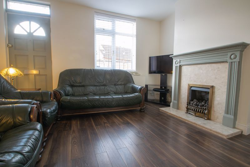 2 bed house for sale in Poole Street 2