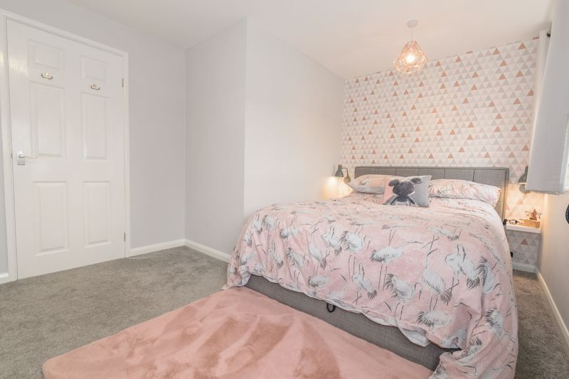 4 bed house for sale in Moorfield Drive 7