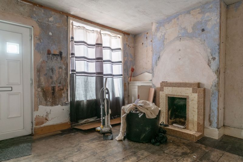 2 bed house for sale in Evesham Road 2