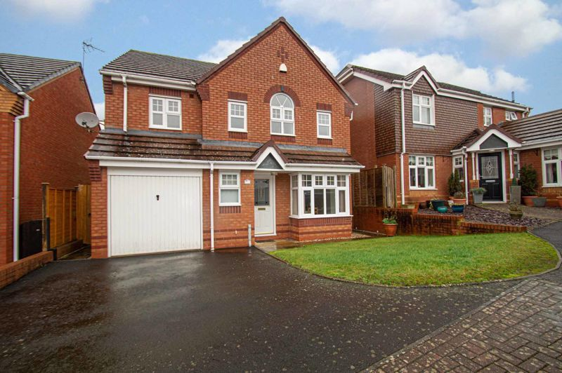 4 bed house for sale in Pennyford Close 1