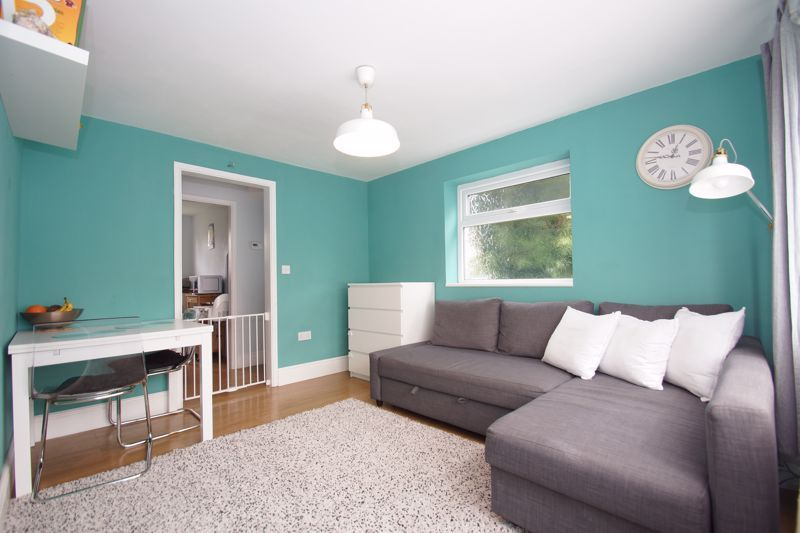 2 bed  for sale in Larkfield Road  - Property Image 2