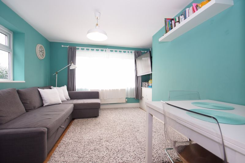 2 bed  for sale in Larkfield Road  - Property Image 7