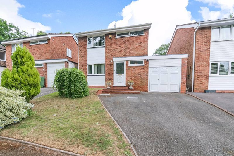 3 bed house for sale in Woodberrow Lane 1