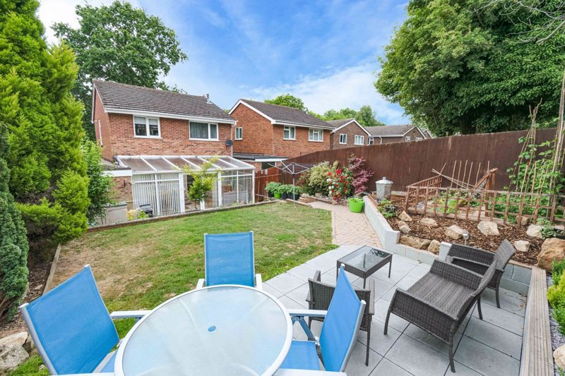 3 bed house for sale in Woodberrow Lane 13
