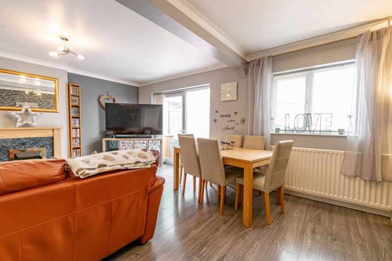 3 bed house for sale in Woodberrow Lane 4