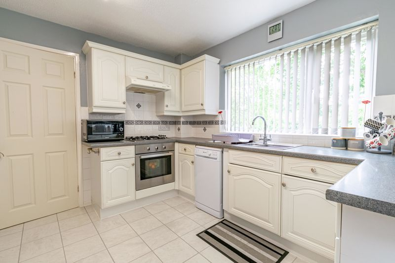 3 bed house for sale in Woodberrow Lane 5