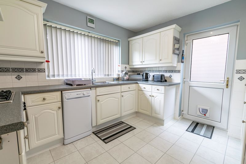3 bed house for sale in Woodberrow Lane 6