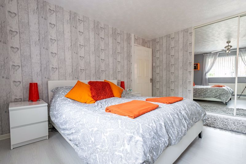 3 bed house for sale in Woodberrow Lane 9