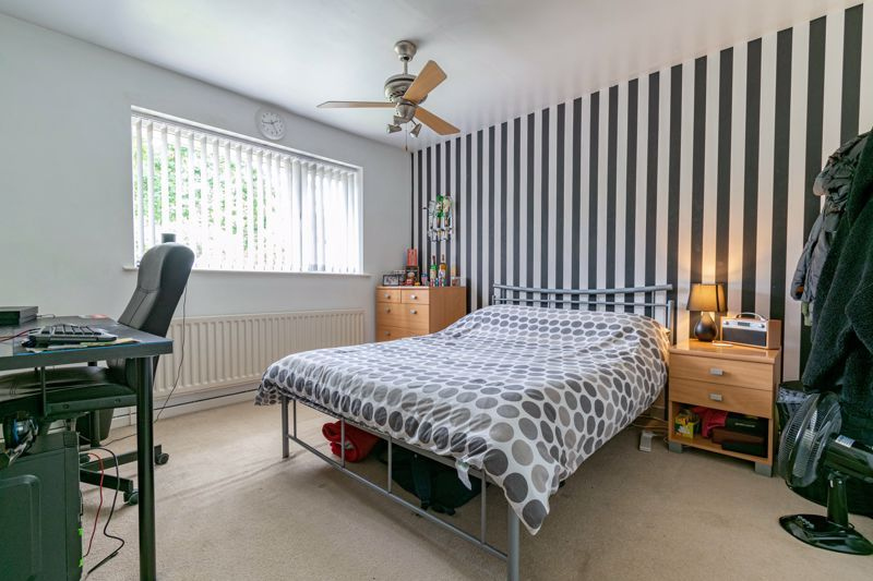 3 bed house for sale in Woodberrow Lane 10